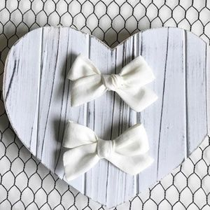 Other - White Linen Hair Bow